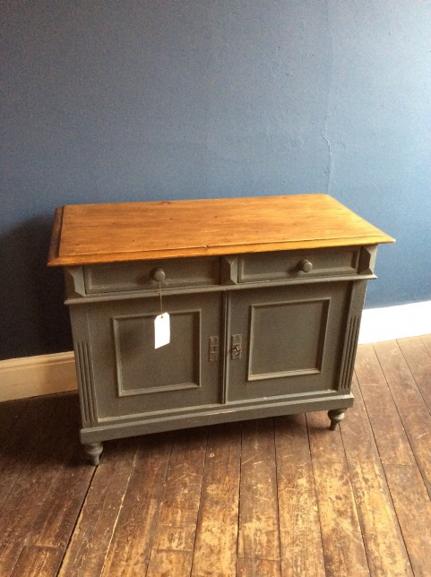 2 door/ 2 drawer base unit