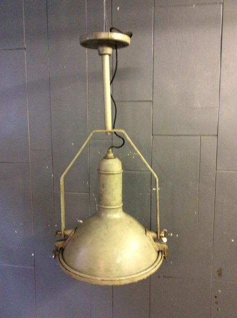 Industrial ceiling light