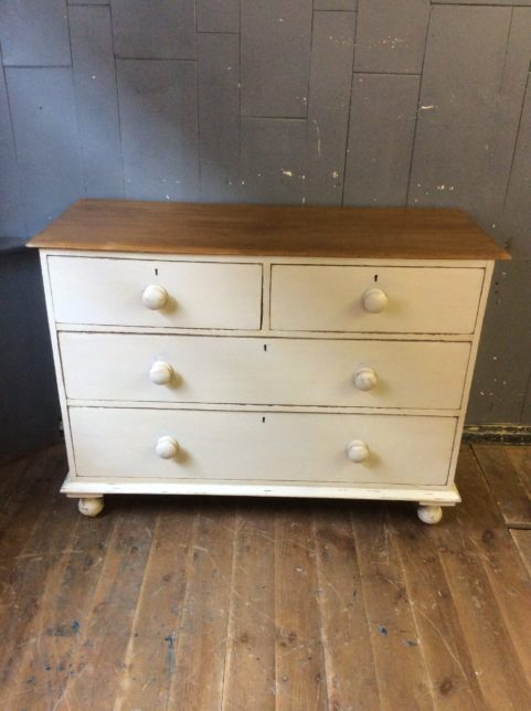 2/2 Chest of drawers